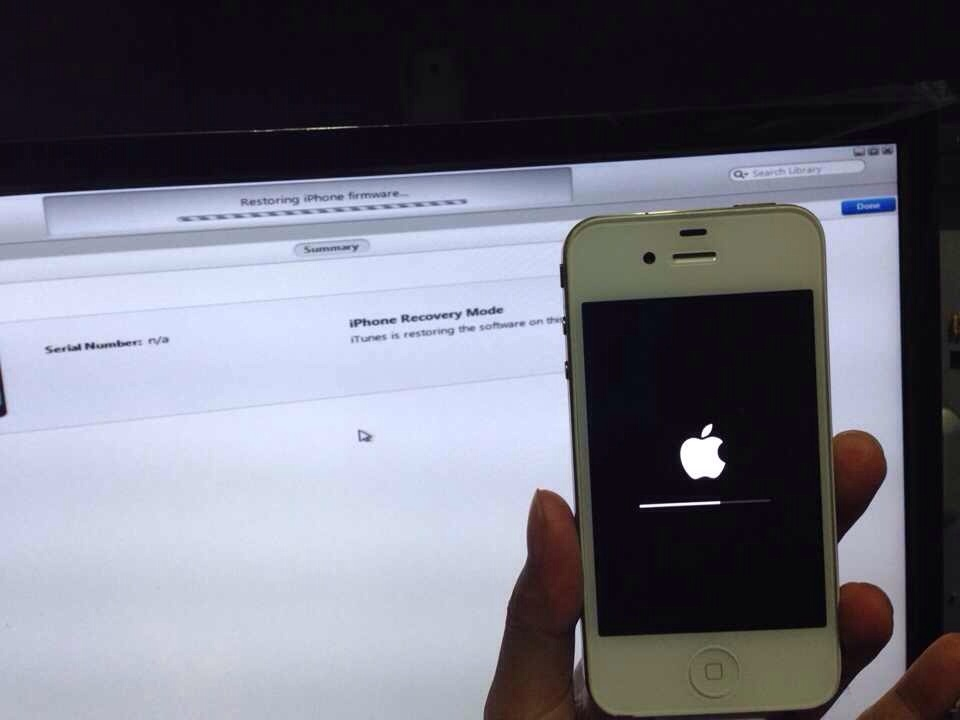 iPhone 4 stuck